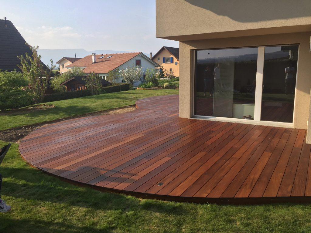 quel bois choisir pour une terrasse suprieur dalle en. Black Bedroom Furniture Sets. Home Design Ideas